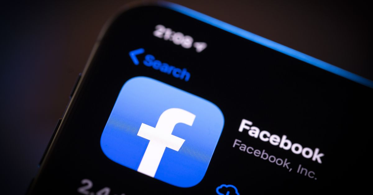 www.vox.com: Why Facebook and Apple are fighting over your privacy