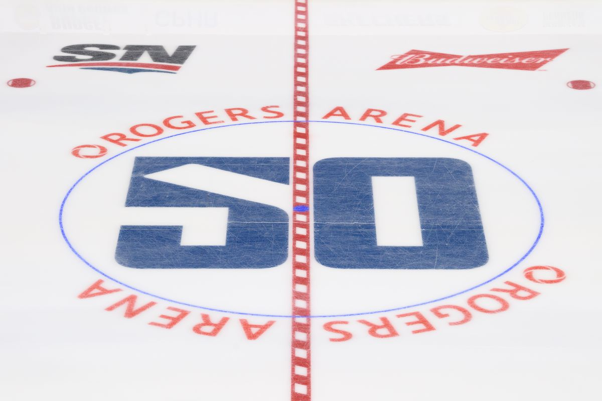 NHL: OCT 12 Flyers at Canucks