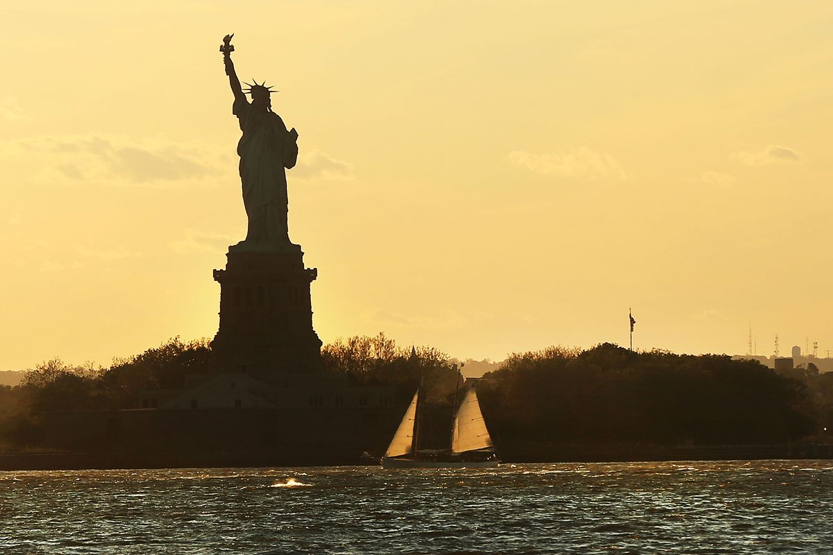 Unseasonably Chilly Temperatures And High Winds Gust Across New York City