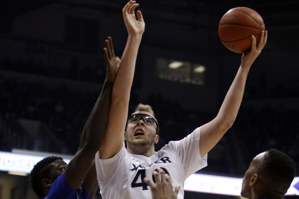 Matt Stainbrook (8 pts, 9 rebs) was largely outplayed by Angel Delgado.