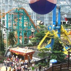 """Image of the Mall of America via <a href=""""http://www.globetourguide.com/2009/09/the-mall-of-america-of-minnesota.html"""" rel=""""nofollow"""">Globe Tour Guide</a>"""