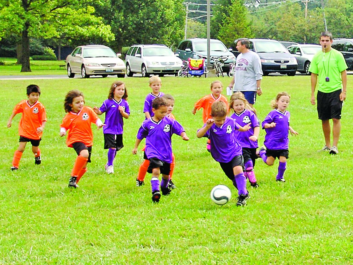 A youth soccer program in the Northbrook Park District uses parents as volunteer coaches. | Northbrook Park District photo