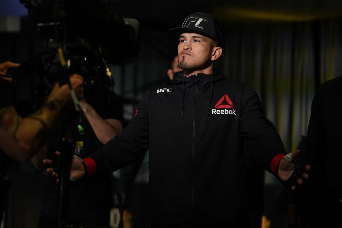 Anthony Pettis before his fight against Alex Morono at a UFC Fight Night.