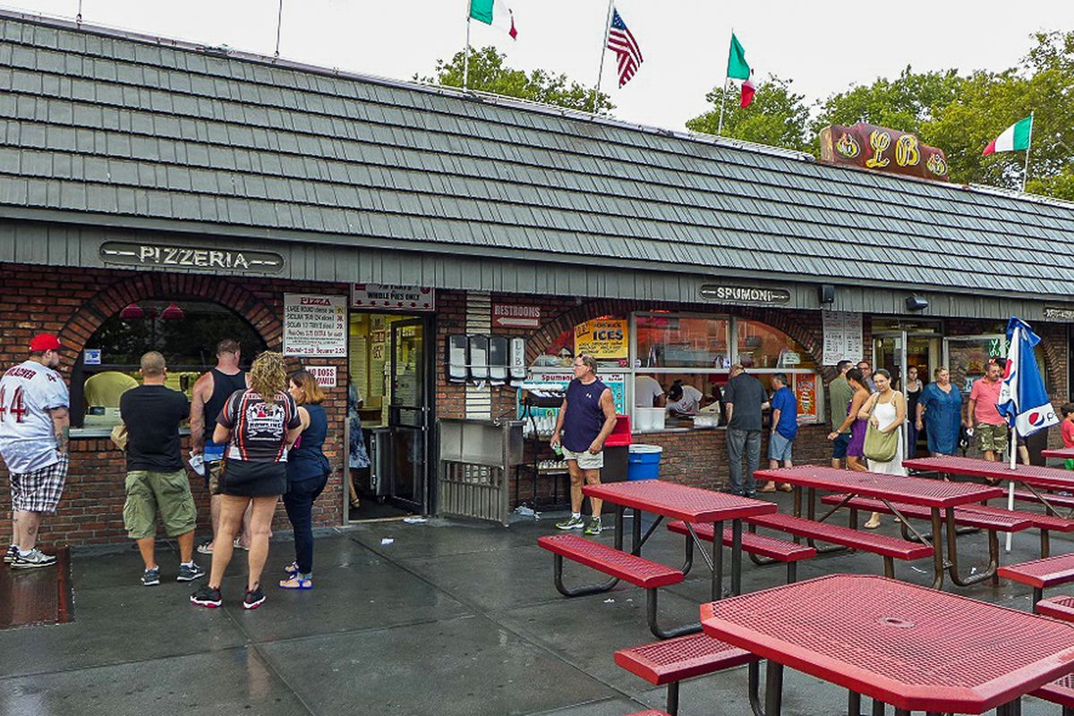 A Farewell To Summer At L B Spumoni Gardens Eater Ny