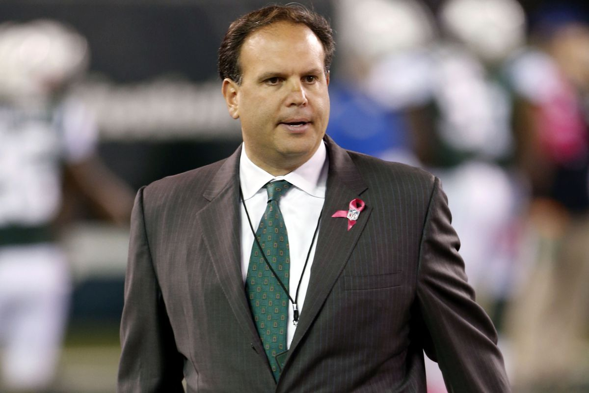 Needs to change his tie color from Jets' Green to Dolphins' Aqua