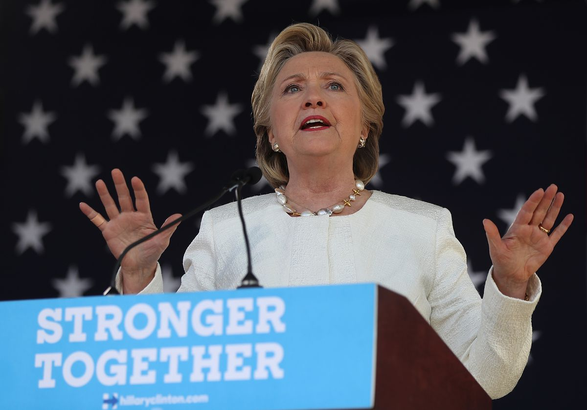 Hillary Clinton Campaigns Across Florida, Encourages Early Voting