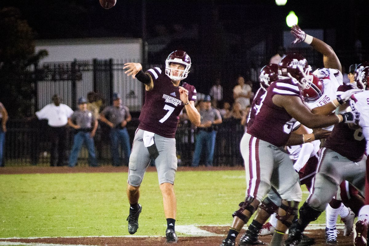 Picture Gallery:  Mississippi State Bulldogs vs South Carolina Gamecocks