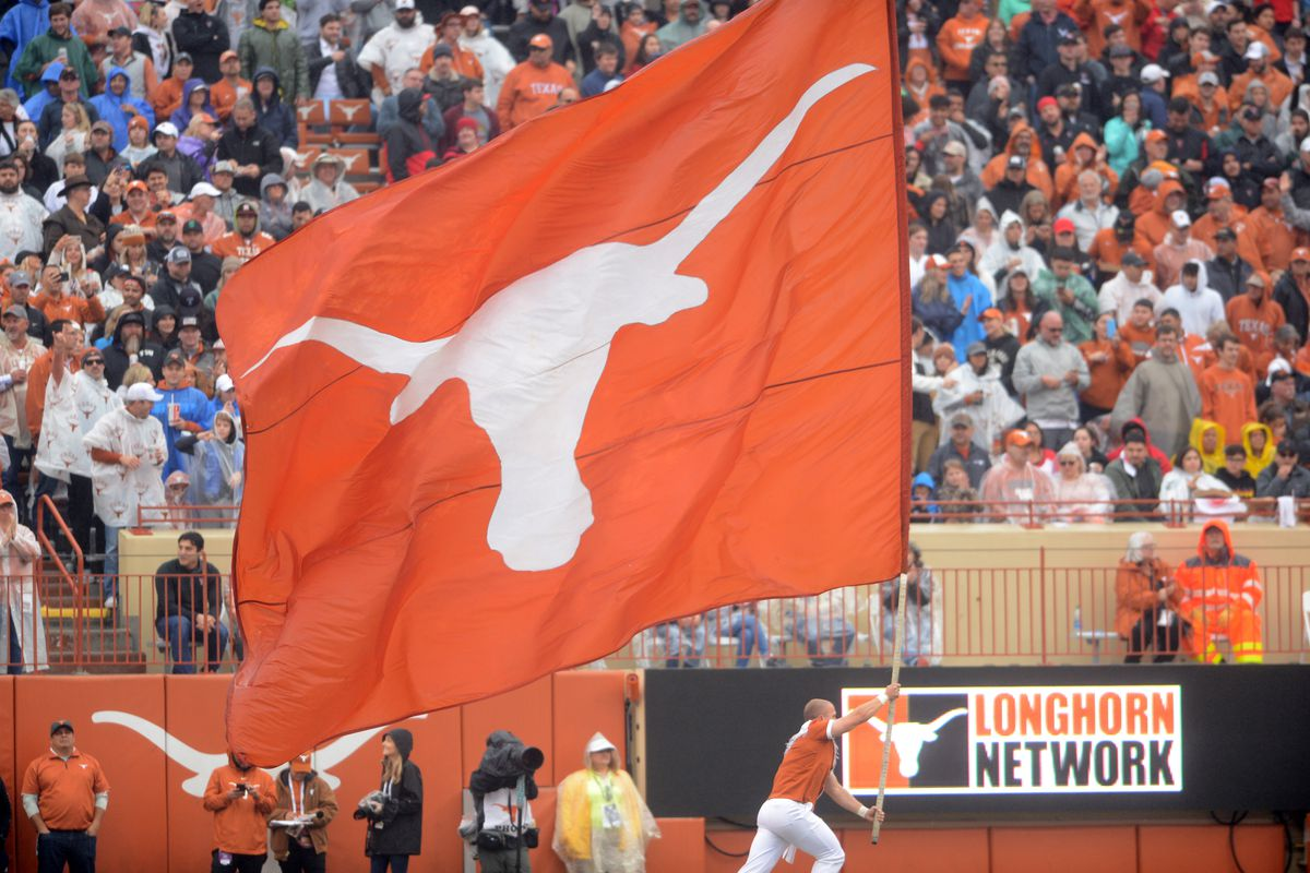 Bevo S Daily Roundup Texas School Officials Hope To Fit All Season Ticket Holders Into Stadium Burnt Orange Nation