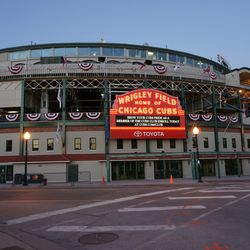 The lull between the NLDS and the NLCS, at Clark and Addison