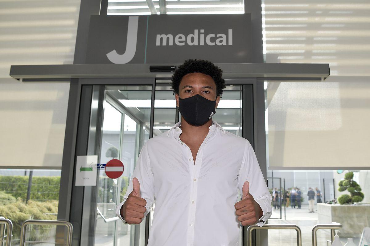 Weston McKennie Medical Tests and Signing for Juventus