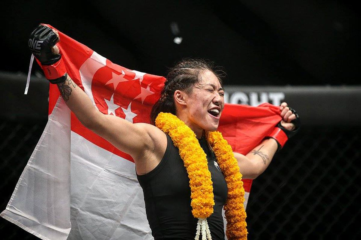 Vancouver's Angela Lee retains MMA title with Singapore win