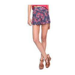 """<a href=""""http://www.forever21.com/Product/Product.aspx?BR=f21&Category=btms_shorts&ProductID=2064787505&VariantID=""""> Forever 21 floral shorts</a>, $14.80 forever21.com"""