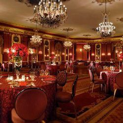 """An iconic Chicago hotel, <a href=""""http://www3.hilton.com/en/hotels/illinois/palmer-house-a-hilton-hotel-CHIPHHH/index.html"""">The Palmer House Hilton</a> [17 East Monroe Street] has lush, decorative event spaces. A particularly unique—and richly colored—spa"""