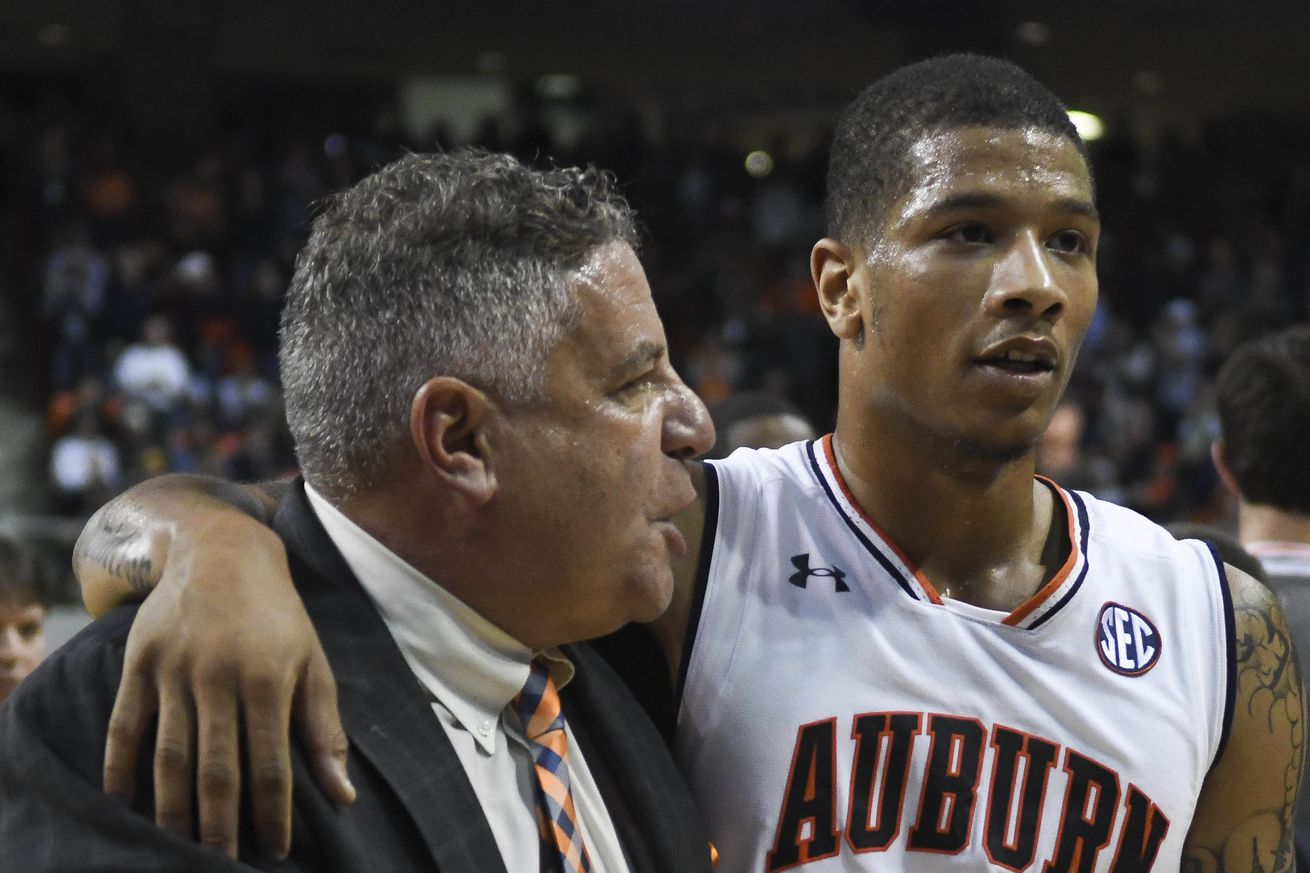 NCAA Basketball: Washington at Auburn