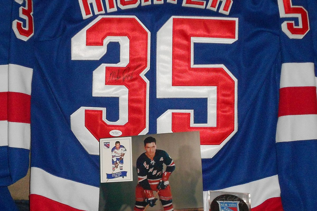 New York Rangers jersey circa 1998 signed by goaltender Mike Richter, signed photo of Andy Bathgate (HHOF 1978) and card, signed puck by Bathgate.