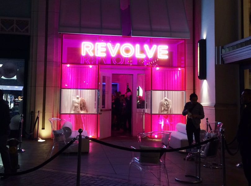 revolve 39 s rad pop up at the grove is a hot pink happy place racked la. Black Bedroom Furniture Sets. Home Design Ideas