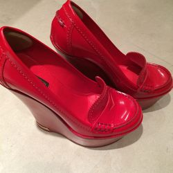 Louis Vuitton red shoes // size: 8 // $150