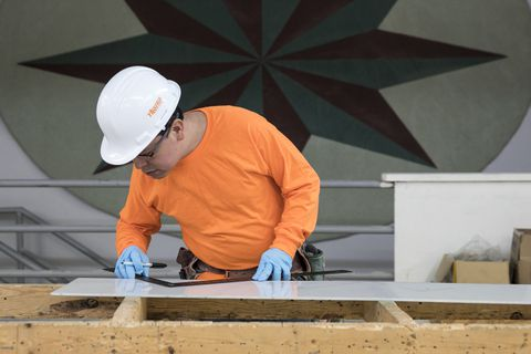 Carpenters Union offers paid apprenticeship program: 'It's a