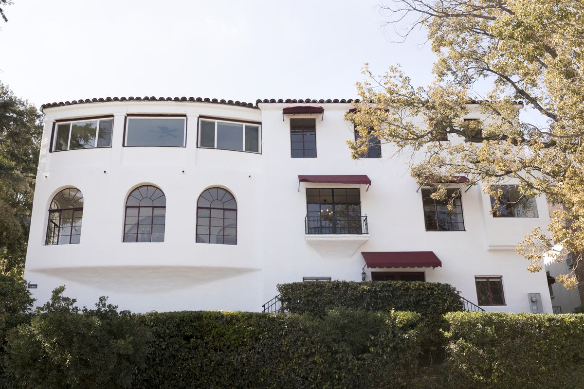Landmarked house overlooking Silver Lake Reservoir for sale for $2.4 ...