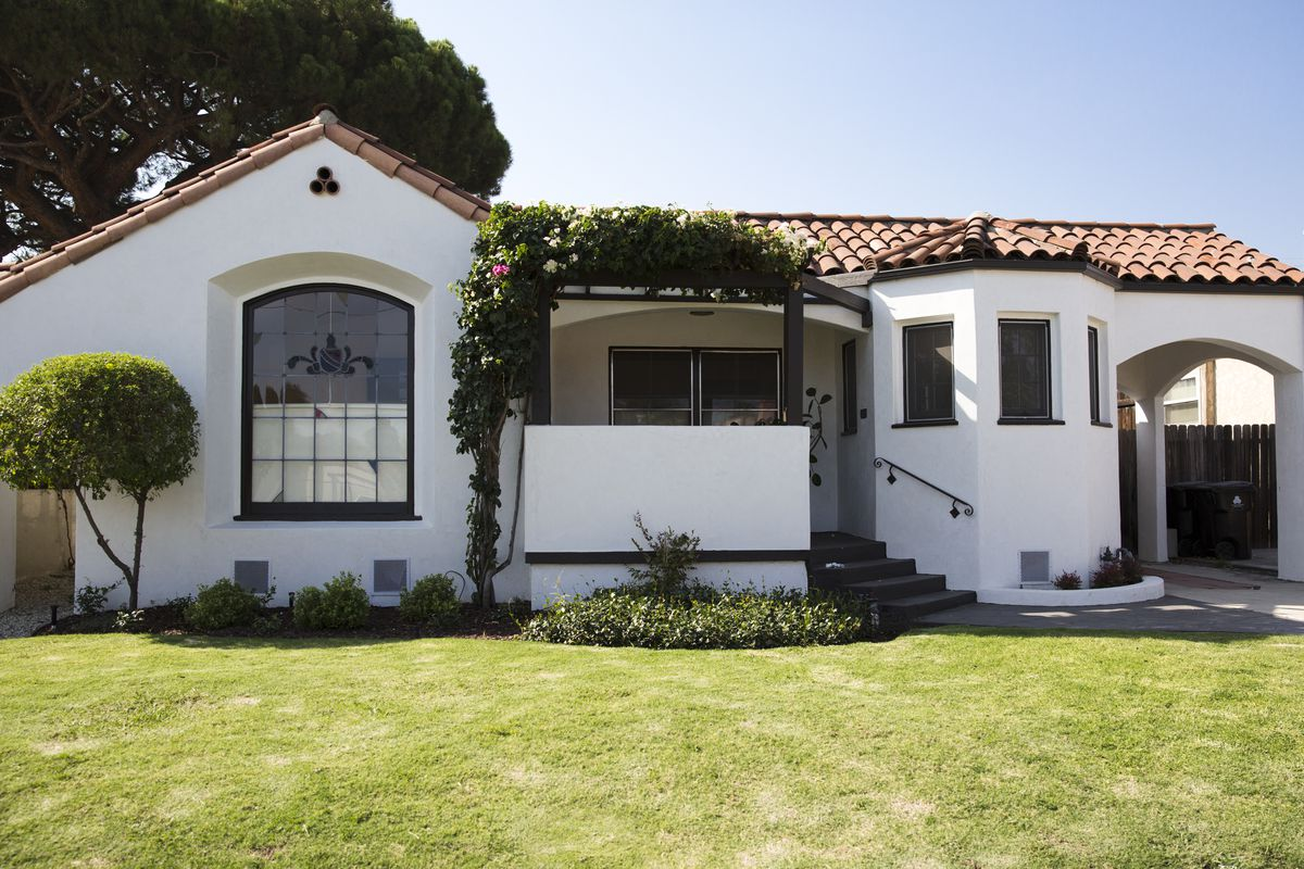 Mid City Spanish Style Packed With Original Details Asks 1 25m