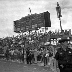 <strong>1985- FSU faithful at Doak Campbell Stadium</strong>