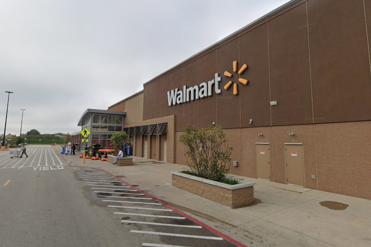 A man pleaded guilty to threatening to shoot Mexicans at a Walmart store in Carpentersville.