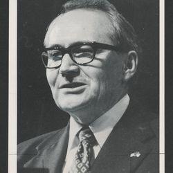 Elder L. Tom Perry speaks in general conference in October 1976.