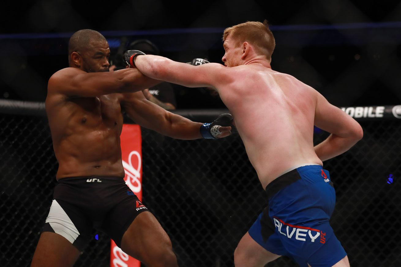 Sam Alvey admits he was 'awestruck' fighting Rashad Evans at UFC Mexico, calls out Vitor Belfort