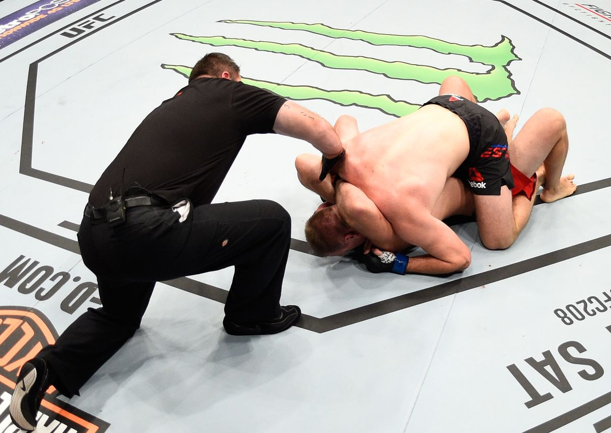 UFC Fight Night: Oleinik v Pesta