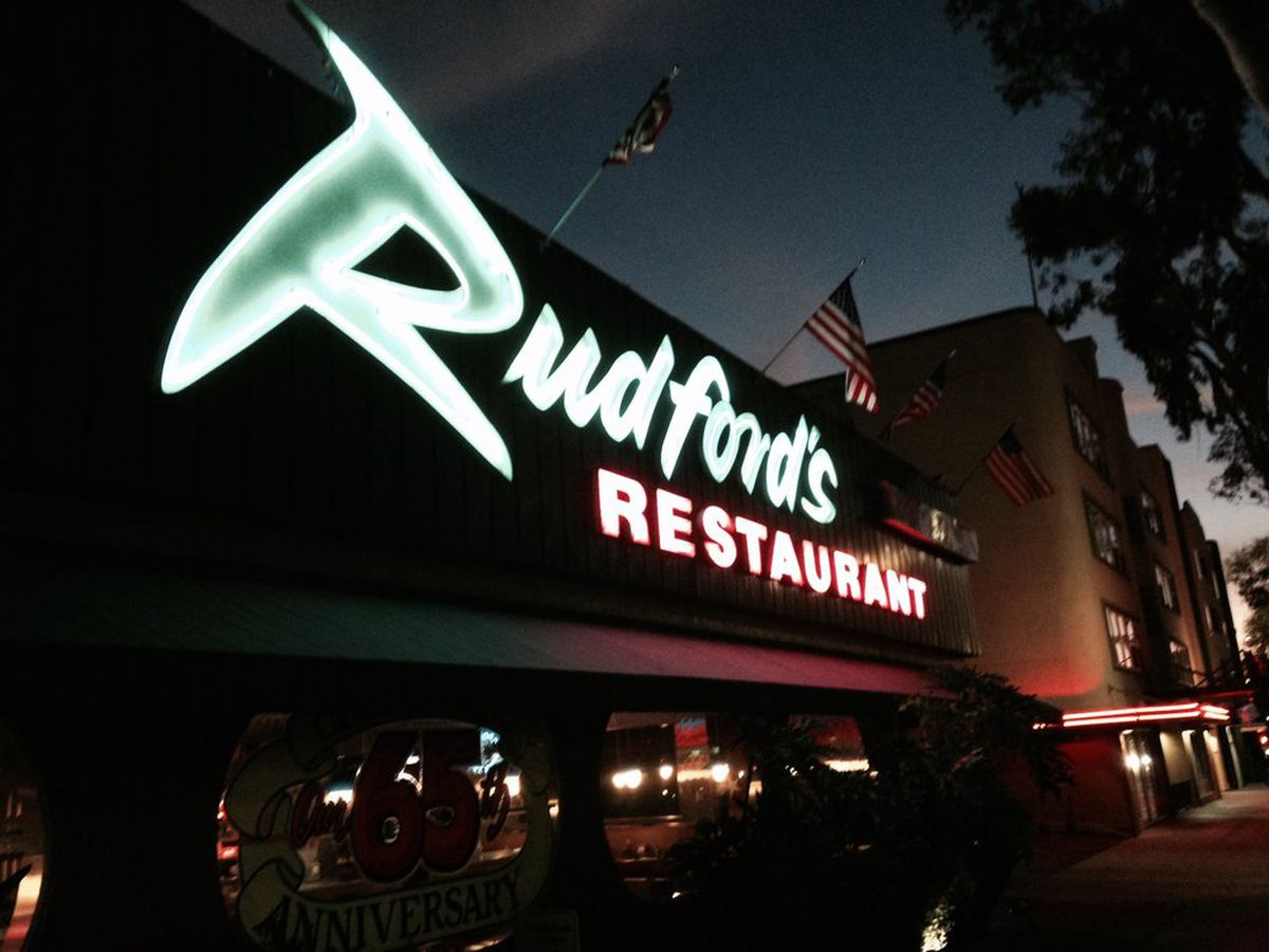 15 Essential Late Night 24 Hour San Diego Eats