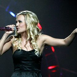 5 Browns, left, and Carrie Underwood will fill the Fourth with fiery performances.