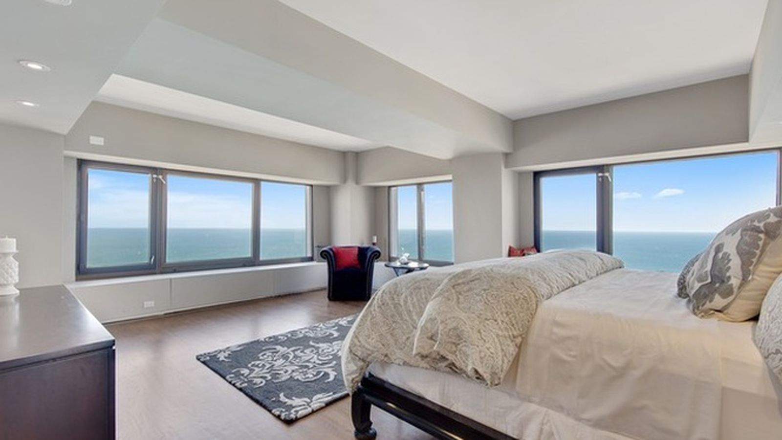 Four-bedroom Condo On The 64th Floor Of Chicago's Hancock