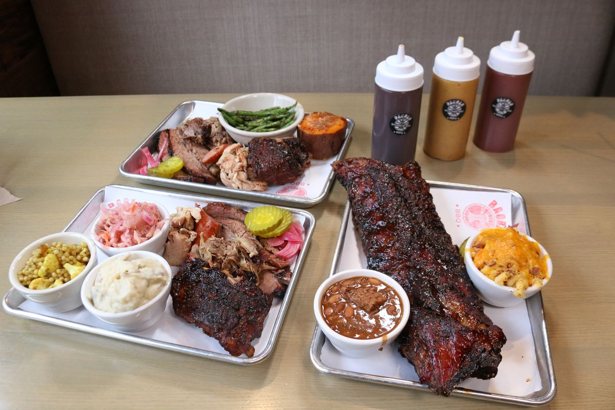 Combination meat platters and ribs at Baobab BBQ restaurant.  Brian Rich/Sun-Times