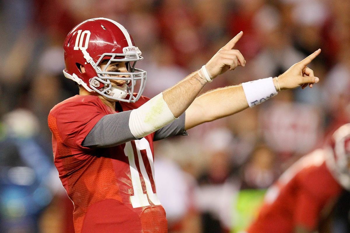 TUSCALOOSA, AL - OCTOBER 22:  AJ McCarron #10 of the Alabama Crimson Tide points out the Tennessee Volunteers defense at Bryant-Denny Stadium on October 22, 2011 in Tuscaloosa, Alabama.  (Photo by Kevin C. Cox/Getty Images)