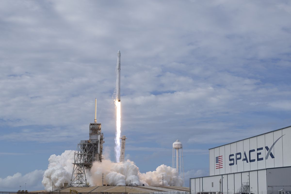SpaceX Launches 10 Communications Satellites From California