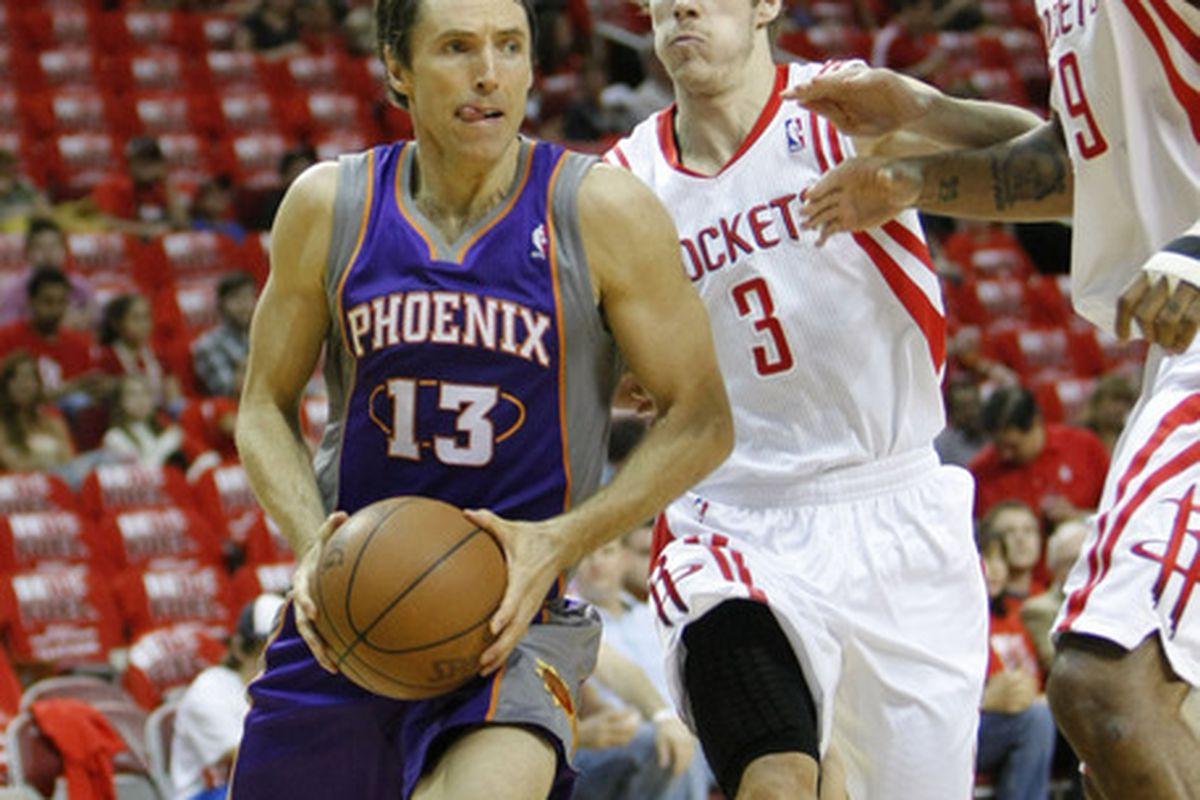 <strong>Steve Nash was clearly intimidated by the large crowd at the Toyota Center.</strong>