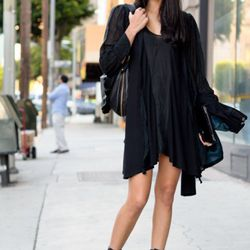 """<a href=""""http://la.racked.com/archives/2011/12/20/kerry_on_los_angeles_street.php"""" rel=""""nofollow"""">Kerry</a> is wearing a Marnie Skillings dress and a bag by Her Ego."""