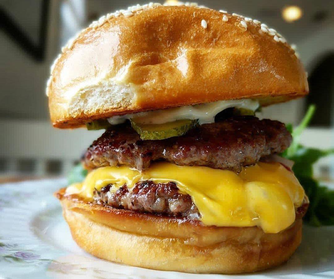 40 North's burger