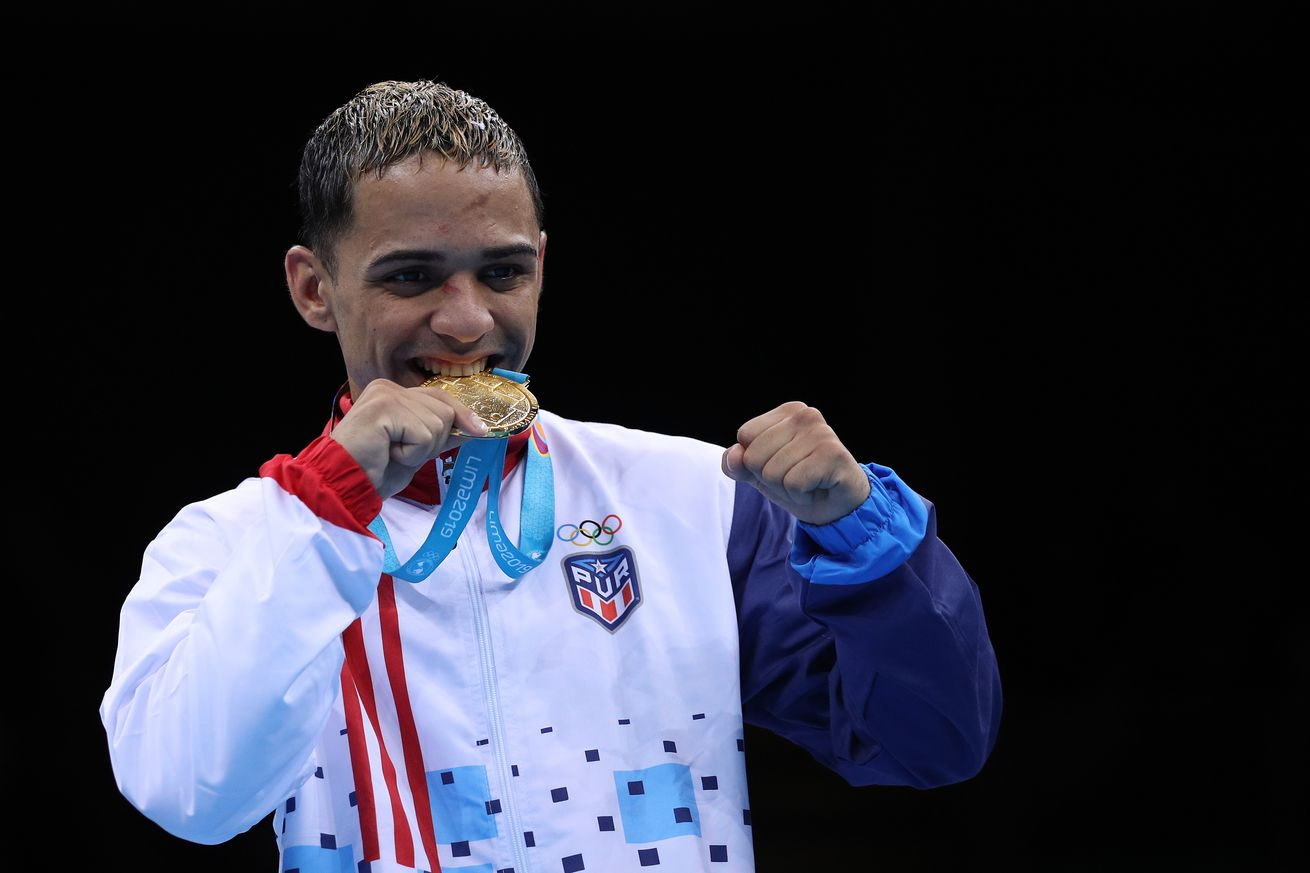 1165802424.jpg.0 - Golden Boy, Miguel Cotto sign Pan-Am gold medalist Collazo
