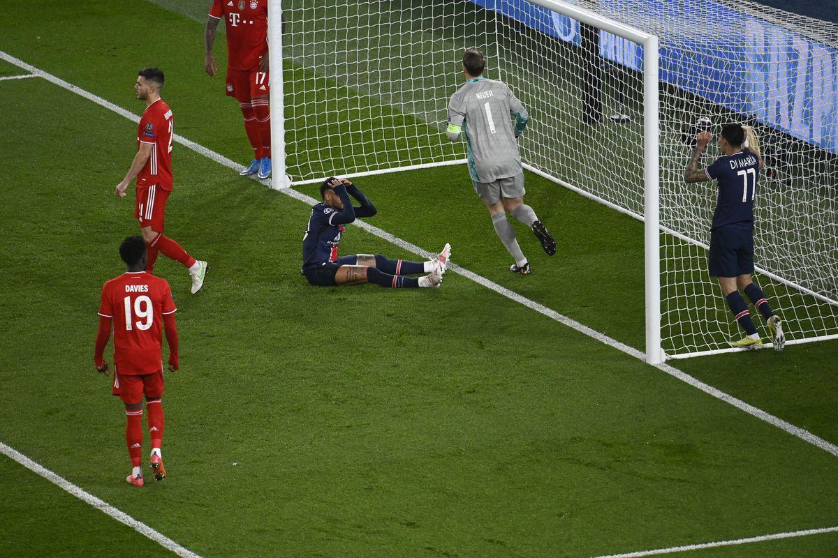 Paris Saint Germain v FC Bayern Munich - UEFA Champions League