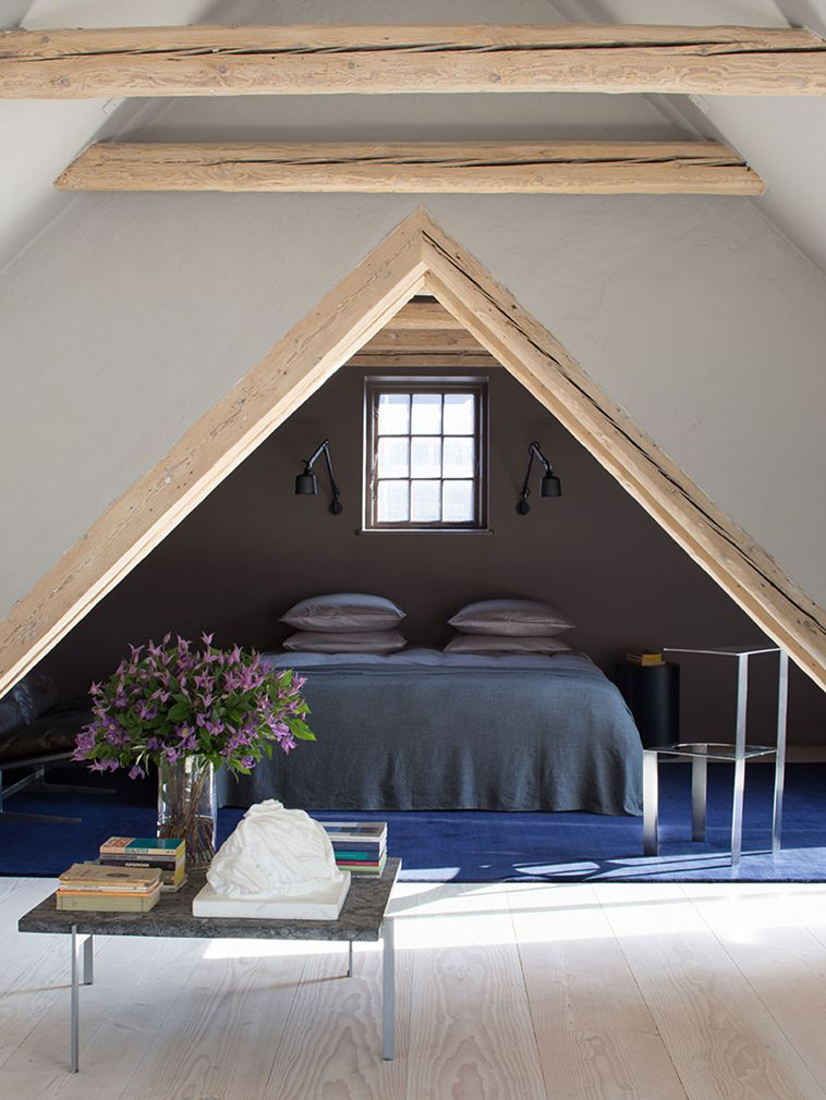 Bed in cozy alcove
