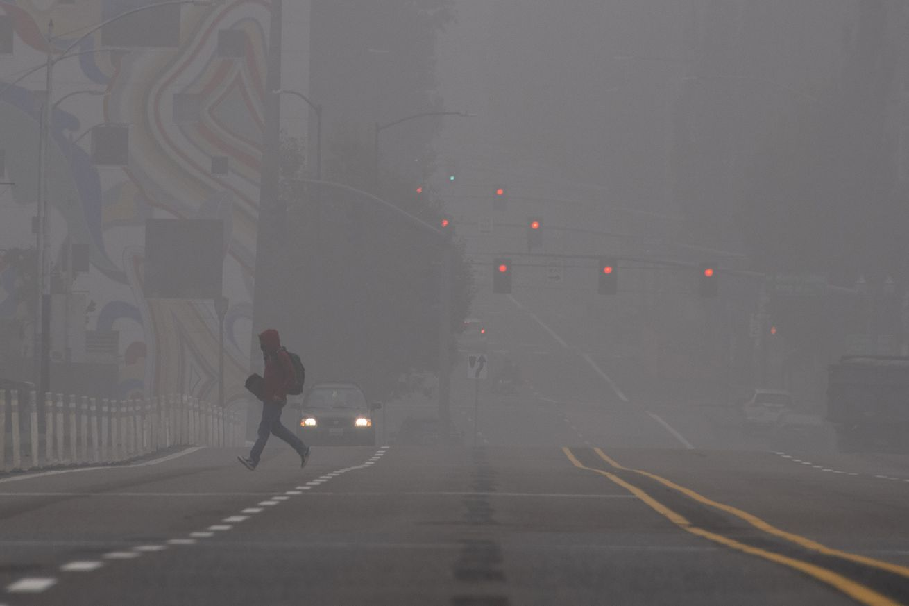 TOPSHOT-US-FIRES-POLLUTION-PORTLAND