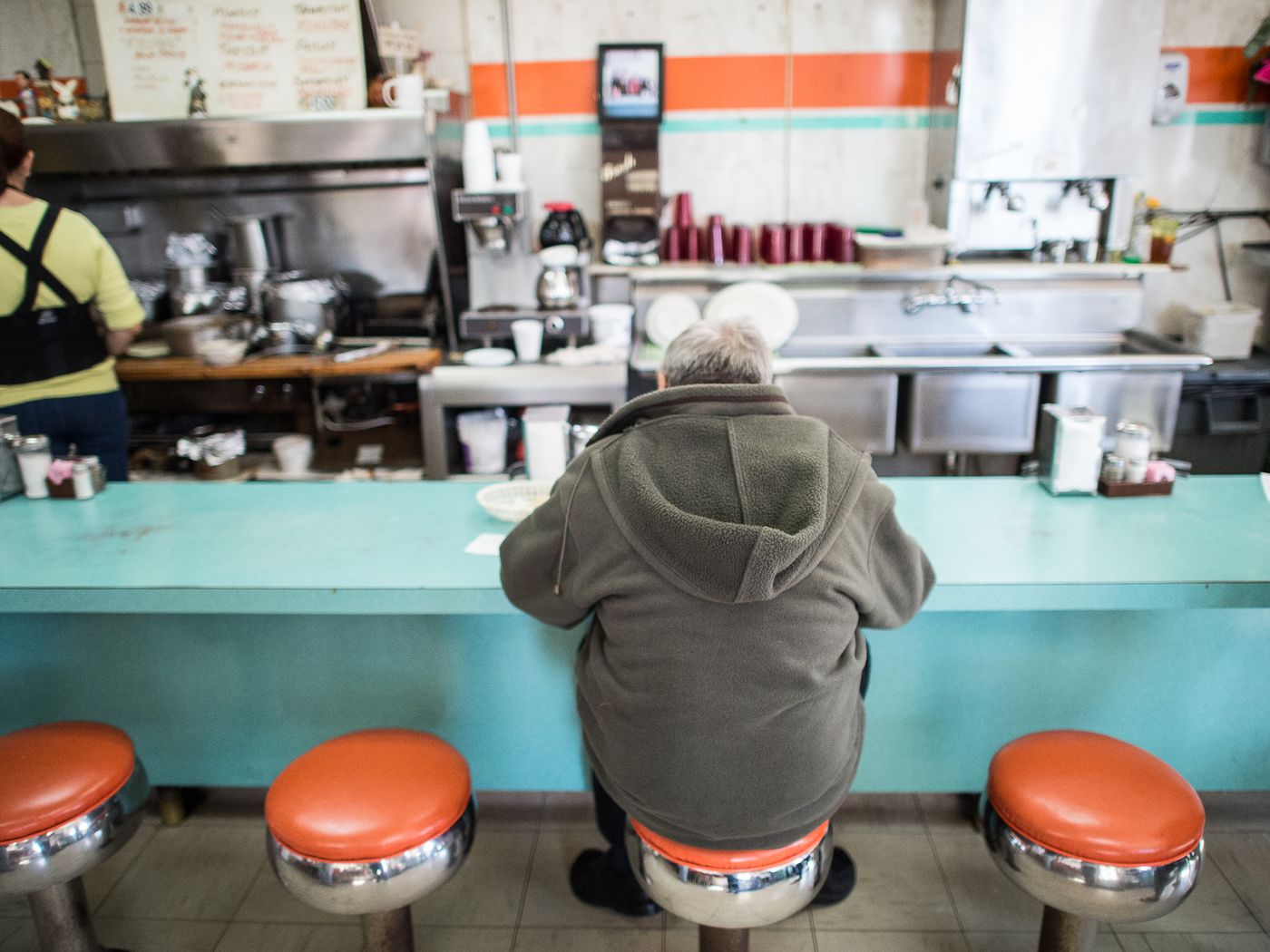 Eating Breakfast With the Regulars at El Paso\'s Famed H&H Car Wash ...