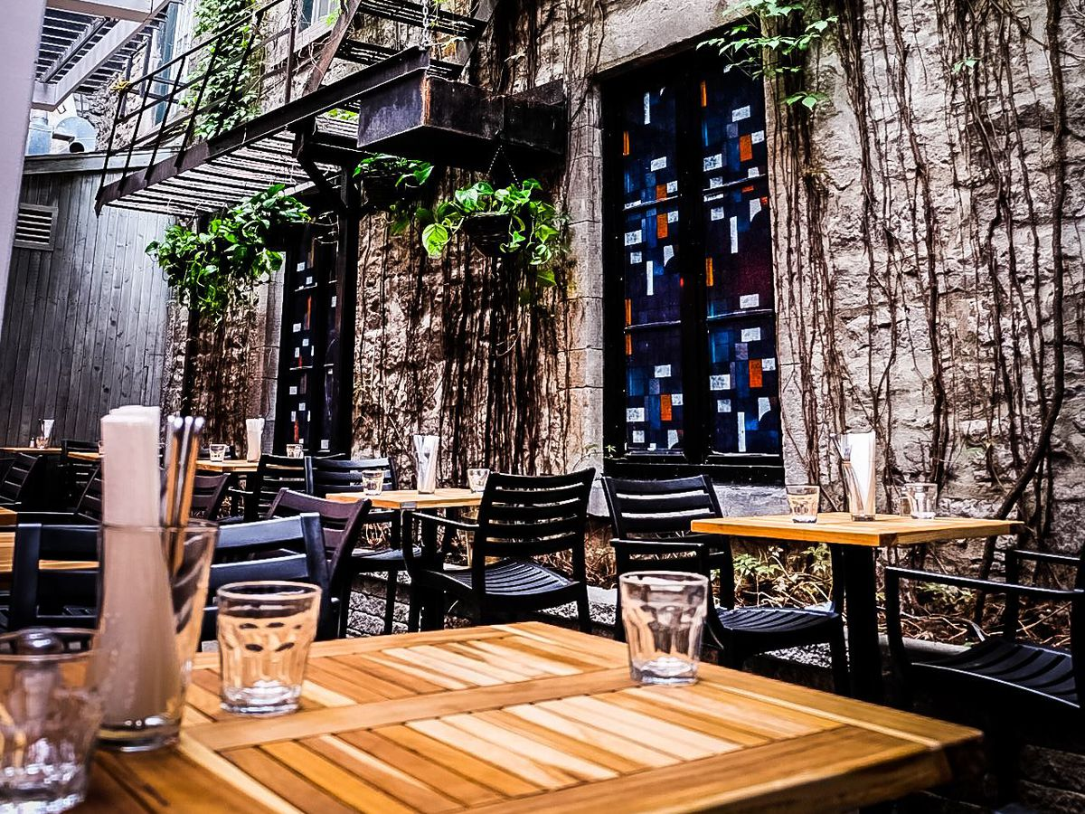 The semi-outdoor terrasse at Wolf & Workman.