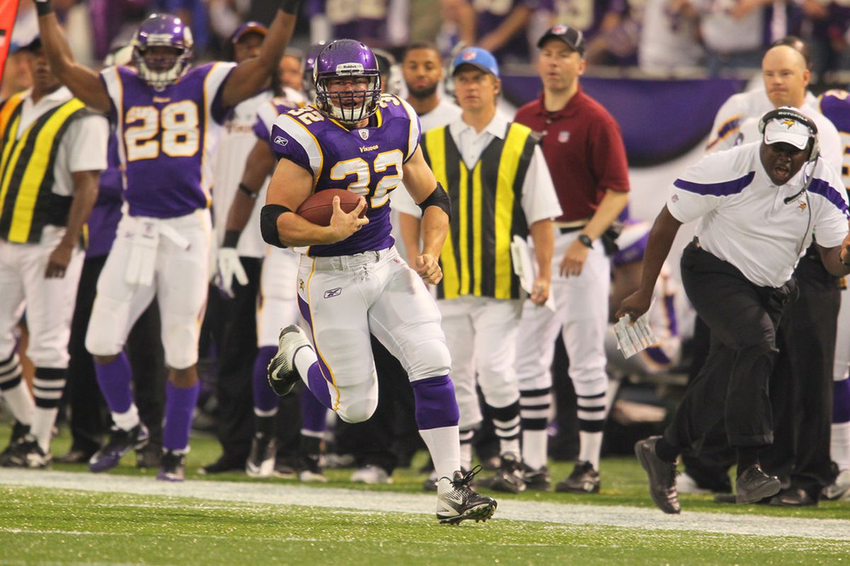 Toby Gerhart runs for a score while Adrian Peterson deadlifts<em> the entire world.</em>