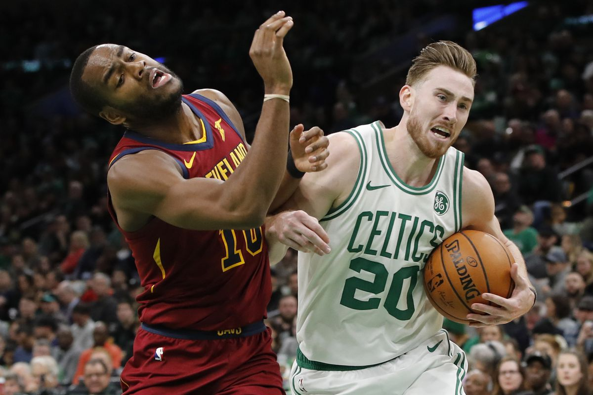 cedddeb2d72 Kyrie Irving pushed Gordon Hayward to play more aggressively