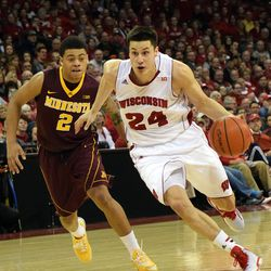 Bronson Koenig blows past Minnesota's Nate Mason