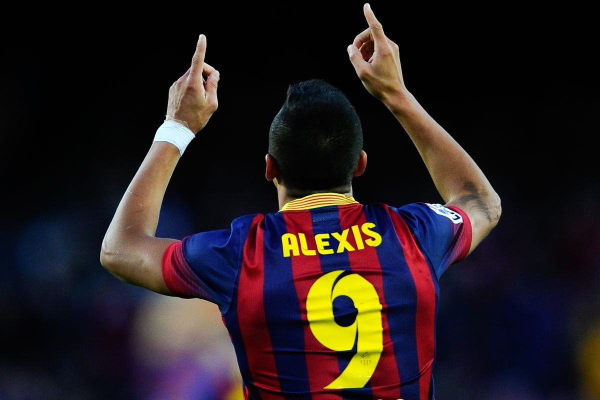 Impressively, Alexis was literally balancing the entire picture on his figertip.