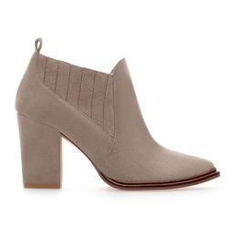 "<span class=""credit""><b>Zara</b> Suede Block Heel Boot, <a href=""http://www.zara.com/us/en/woman/shoes/suede-block-heel-ankle-boot-c269191p1464569.html"">$89.90</a></span><p>"