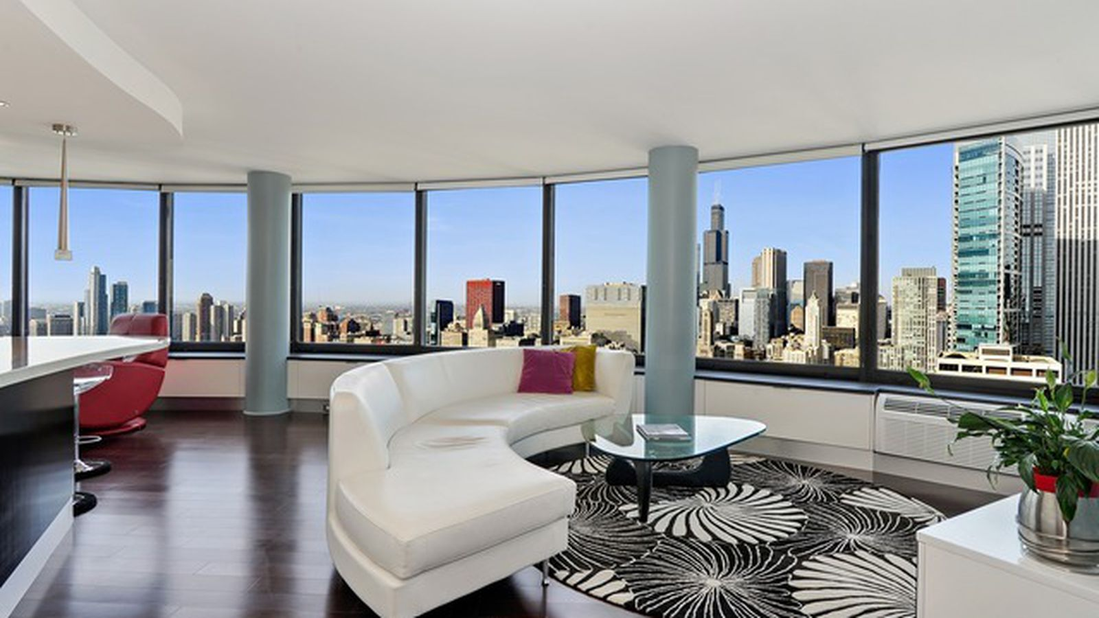 51st Floor Harbor Point Three Bedroom Has Excellent Views Curbed Chicago